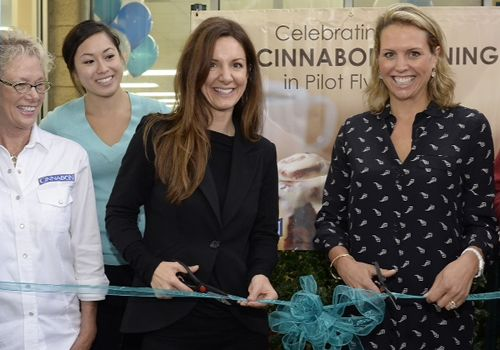 Cinnabon Opens Milestone 100th Bakery through Pilot Flying J Partnership