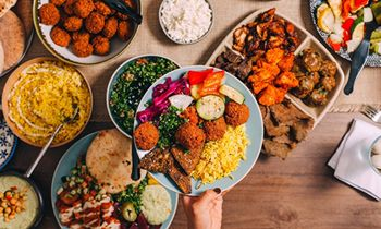 The Hummus & Pita Co. Signs Multi-Unit Franchise Deal to Expand Across the Midwest