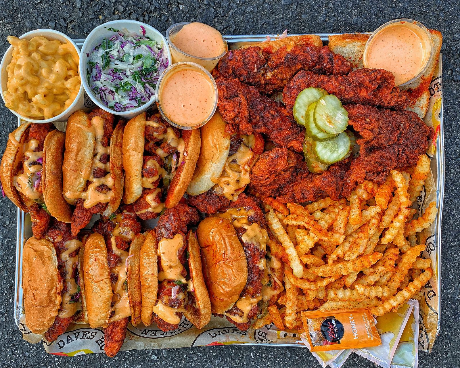 Dave's Hot Chicken Heats up Orange County with Opening of Fountain Valley Restaurant