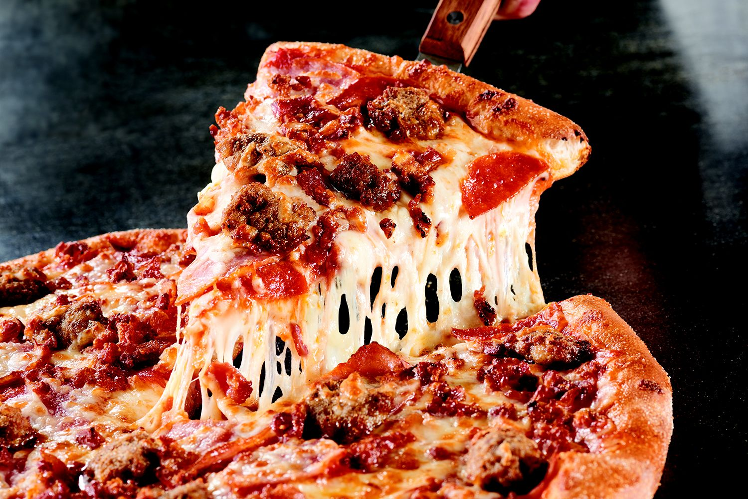 Marco's Pizza Expands Its National Footprint Signing 88 New Franchise Agreements So Far This Year with Over 200 New Stores in Development
