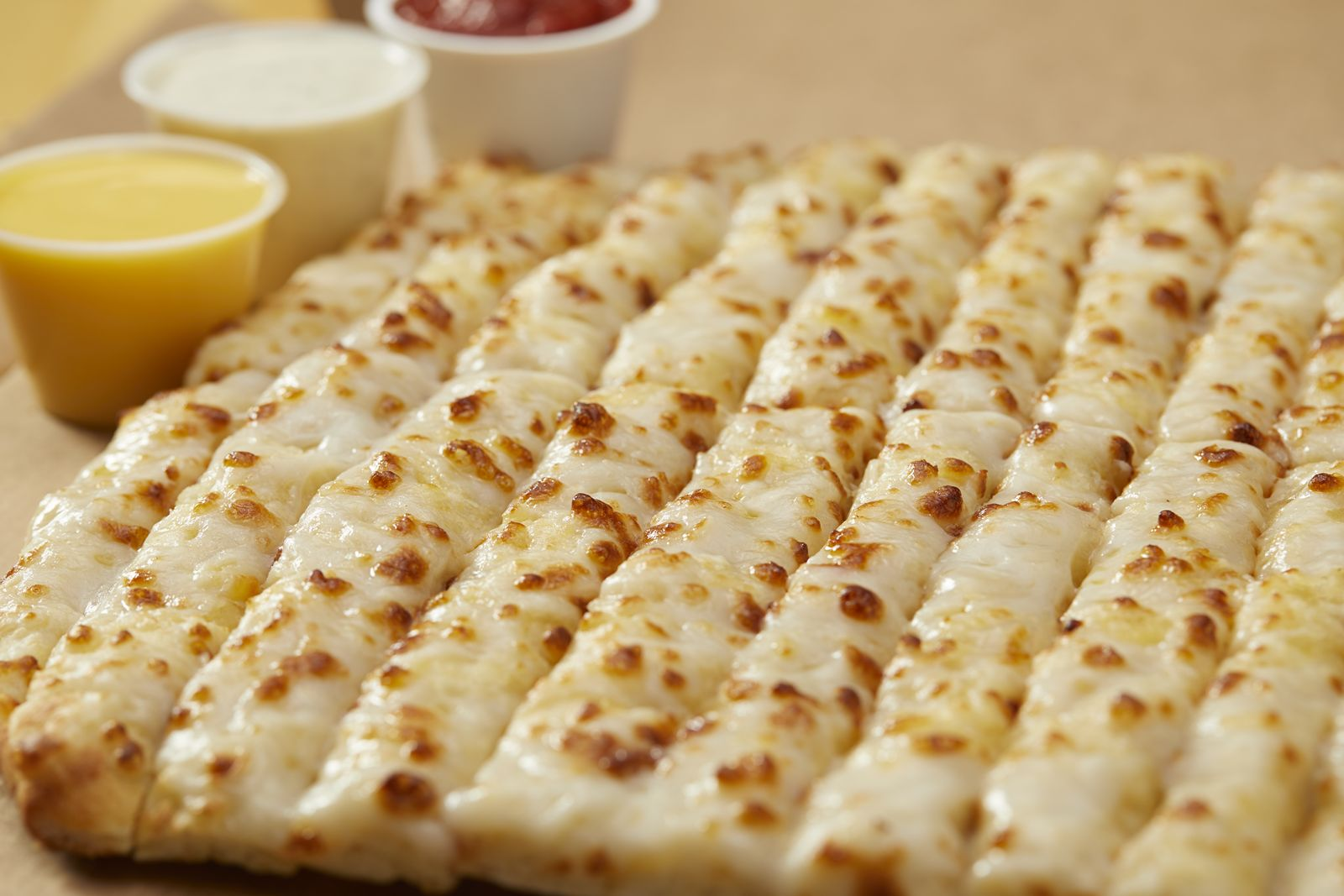 Toppers Pizza Expands Vegan Menu with Launch of Vegan Topperstix