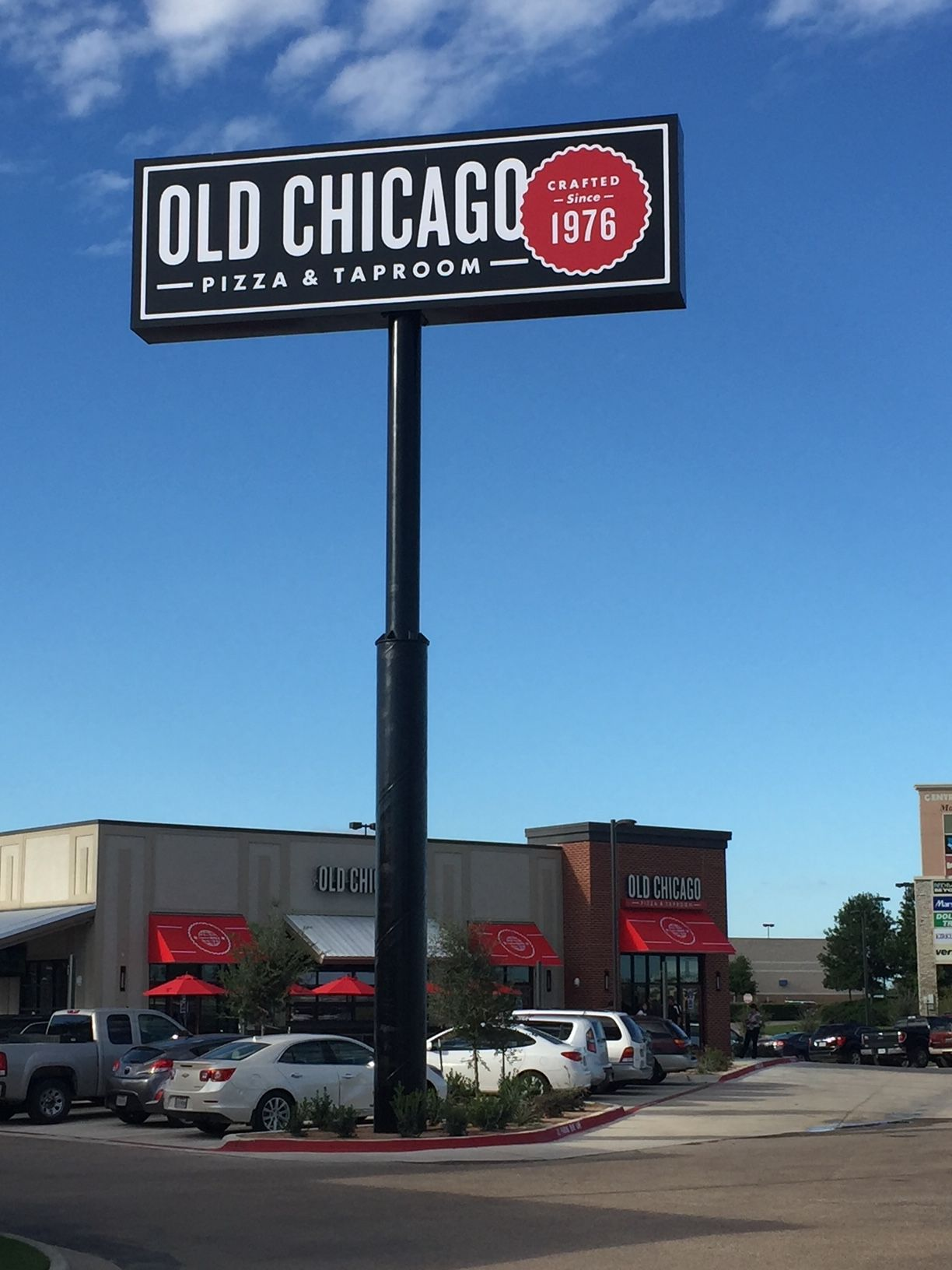 Old Chicago Pizza & Taproom Celebrates Grand Re-Opening in Waco