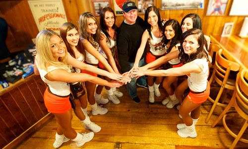Hooters and Jon Gruden to Donate $5,000 to Lane Tech High School Football Program