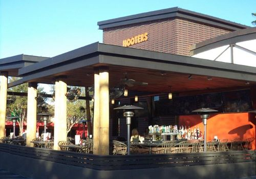 Hooters Opens New I-Drive Restaurant with Contemporary Design