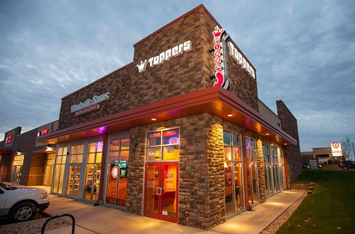 Backed by Strong Franchise System, Toppers Pizza Steals Market Share; Plans Industry Domination
