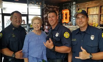 """Dickey's Says """"Mahalo"""" to Local First Responders"""