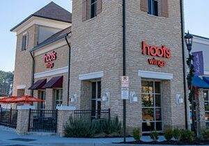 Hoots Wings Targets Philadelphia with East Coast Development Plans, Signs 16-Unit Deal