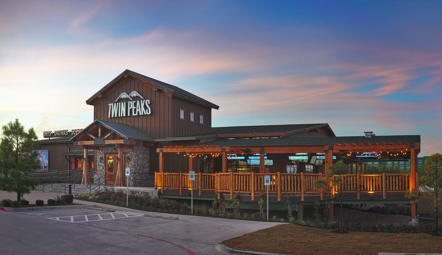 Twin Peaks Adds to Longstanding Texas Presence with Launch of Corporate Store Expansion