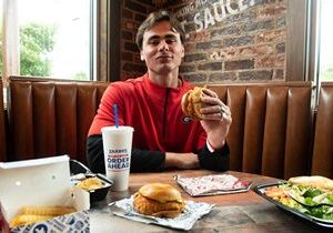Zaxby's Adds UGA Quarterback J.T. Daniels to Its Roster