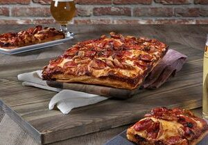 Old Chicago Pizza & Taproom Reopens in Katy